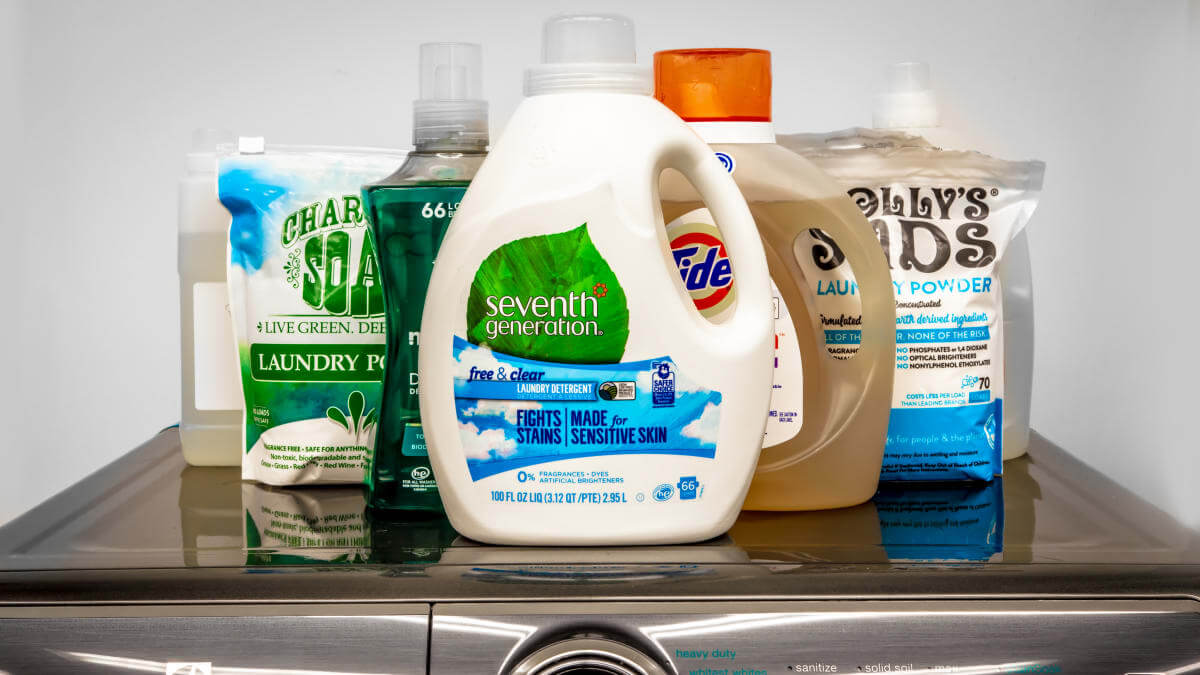 laundry detergent without uv brighteners